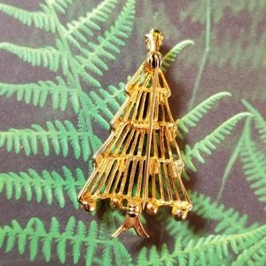 Vintage Jewelry - Vintage Hedy Christmas Tree brooch pin holiday